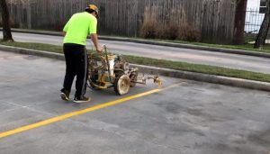 brampton paving worker striping lot